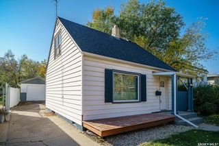 Photo 2: 214 Taylor Street East in Saskatoon: Exhibition Residential for sale : MLS®# SK873954