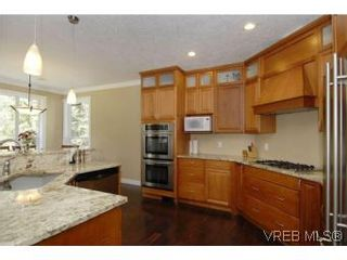 Photo 9: 3342 Sewell Rd in VICTORIA: Co Triangle House for sale (Colwood)  : MLS®# 550573