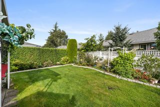 """Photo 32: 109 14271 18A Avenue in Surrey: Sunnyside Park Surrey Townhouse for sale in """"Ocean Bluff Court"""" (South Surrey White Rock)  : MLS®# R2617093"""