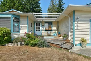 """Photo 1: 1576 ISLANDVIEW Drive in Gibsons: Gibsons & Area House for sale in """"Woodcreek Park"""" (Sunshine Coast)  : MLS®# R2624169"""