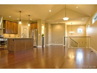Photo 5: 3633 Coleman Place in Victoria: Co Latoria House for sale (Colwood)  : MLS®# 302702