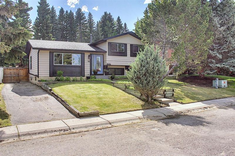 FEATURED LISTING: 46 Lake Huron Place Southeast Calgary