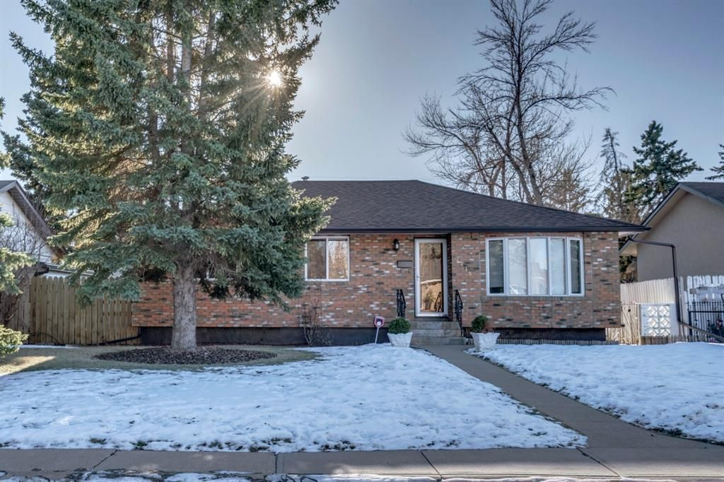 Main Photo: 4615 Fordham Crescent SE in Calgary: Forest Heights Detached for sale : MLS®# A1053573