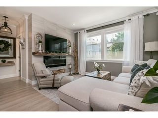 """Photo 5: 28 15717 MOUNTAIN VIEW Drive in Surrey: Grandview Surrey Townhouse for sale in """"Olivia"""" (South Surrey White Rock)  : MLS®# R2600355"""