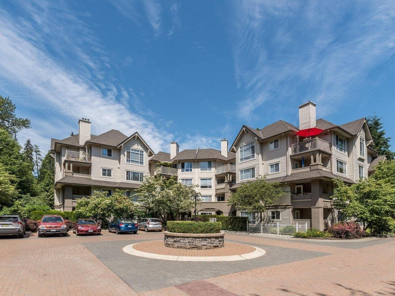 """Photo 2: Photos: 320 1252 TOWN CENTRE Boulevard in Coquitlam: Canyon Springs Condo for sale in """"The Kennedy"""" : MLS®# R2595291"""