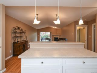 Photo 12: 106 2077 St Andrews Way in COURTENAY: CV Courtenay East Row/Townhouse for sale (Comox Valley)  : MLS®# 836791