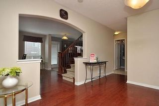 Photo 5: 8 Benmore Crest in Brampton: Vales of Castlemore House (2-Storey) for sale : MLS®# W2334751