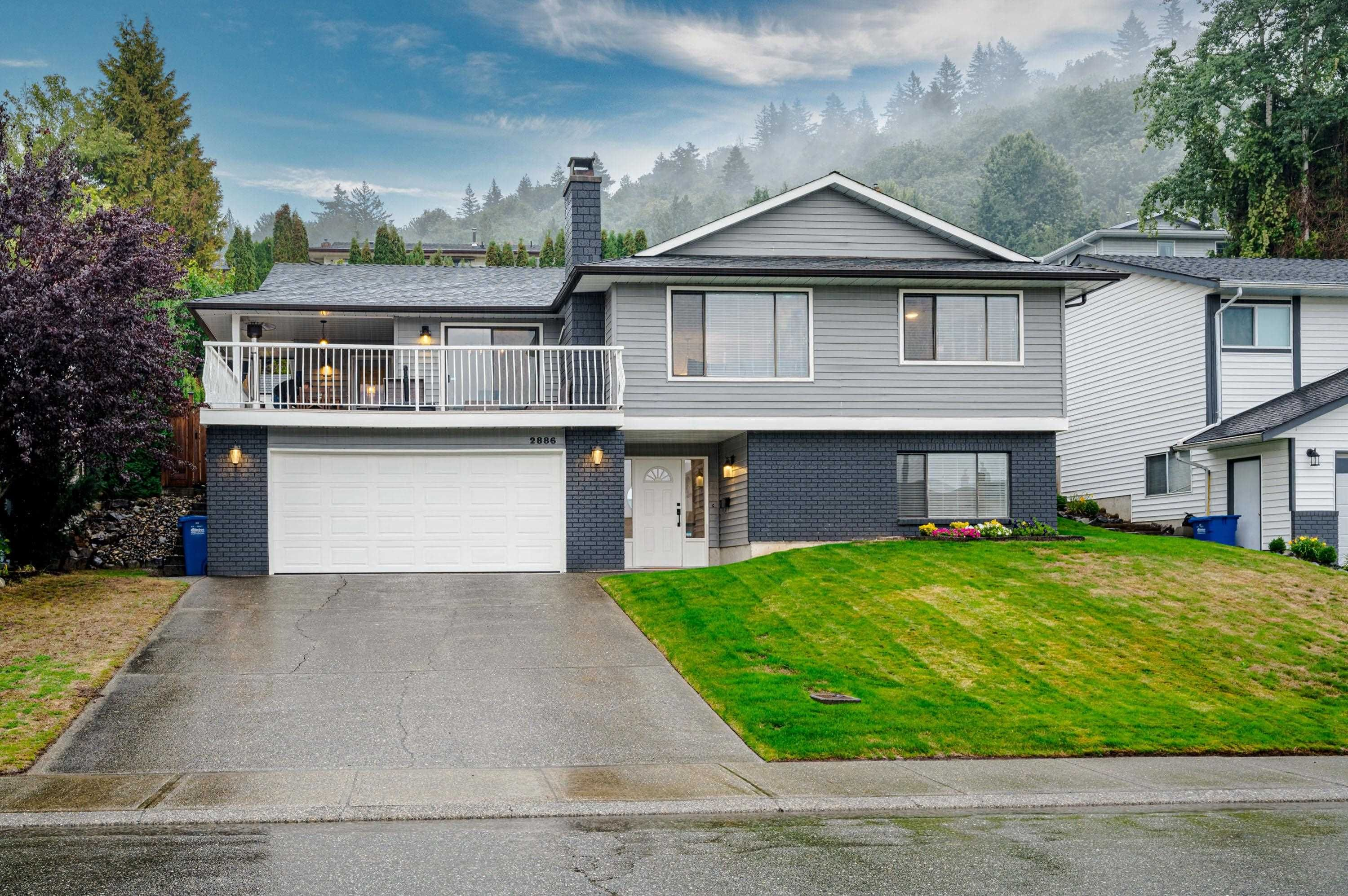 Main Photo: 2886 GLENAVON Street in Abbotsford: Abbotsford East House for sale : MLS®# R2621347
