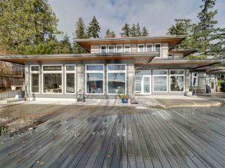 Photo 3: 6169 SUNSHINE COAST Highway in Sechelt: Sechelt District House for sale (Sunshine Coast)  : MLS®# R2523526