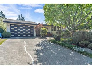 Photo 2: 2350 SENTINEL Drive in Abbotsford: Central Abbotsford House for sale : MLS®# R2573032