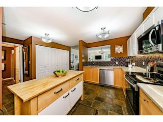 """Photo 10: 213 1990 S E KENT Avenue in Vancouver: South Marine Condo for sale in """"Harbour House at Tugboat Landing"""" (Vancouver East)  : MLS®# R2398371"""