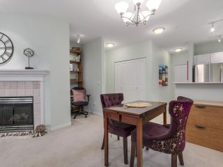 """Photo 6: 301 2755 MAPLE Street in Vancouver: Kitsilano Condo for sale in """"THE DAVENPORT"""" (Vancouver West)  : MLS®# R2122011"""
