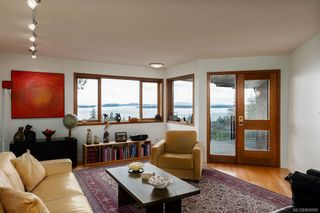 Photo 13: 8735 Pender Park Dr in North Saanich: NS Dean Park House for sale : MLS®# 868899