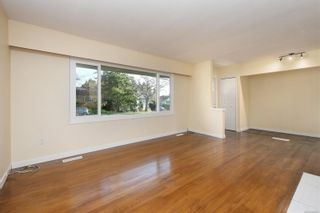 Photo 3: 2940 Foul Bay Rd in : SE Camosun House for sale (Saanich East)  : MLS®# 862693