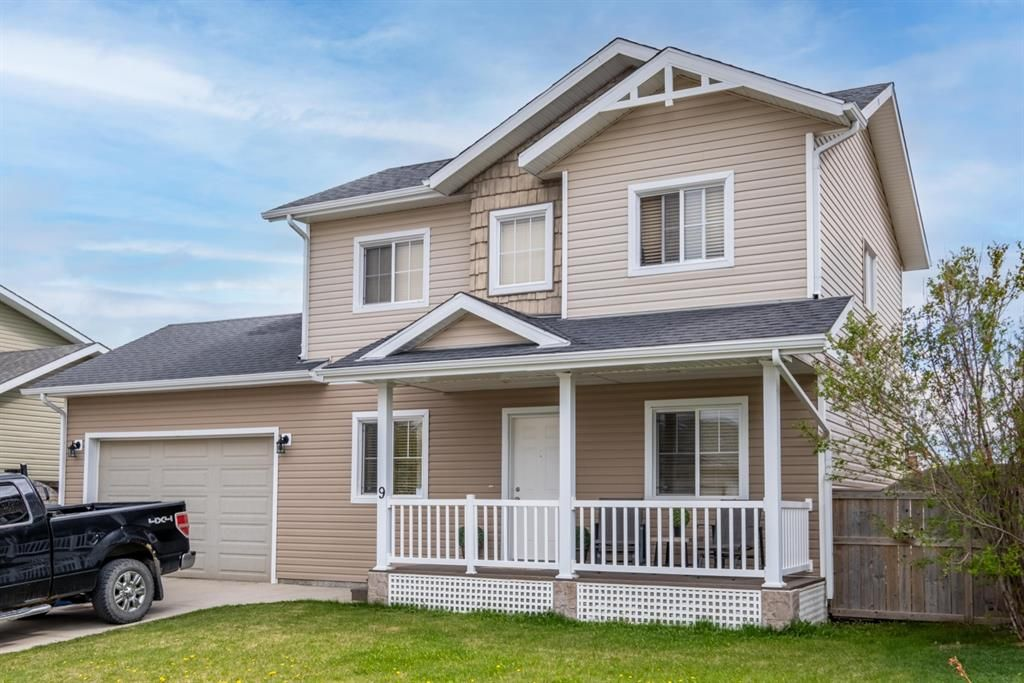 Main Photo: 9 MacKenzie Way: Carstairs Detached for sale : MLS®# A1108497