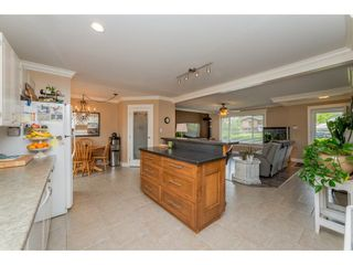 Photo 10: 17924 SHANNON Place in Surrey: Cloverdale BC House for sale (Cloverdale)  : MLS®# R2176477