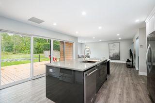 "Photo 8: 5500 WALLACE Avenue in Delta: Pebble Hill House for sale in ""Pebble Hill"" (Tsawwassen)  : MLS®# R2624650"