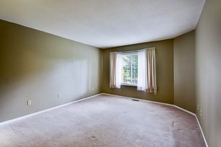 """Photo 8: 17 9971 151 Street in Surrey: Guildford Townhouse for sale in """"Spencer's Gate"""" (North Surrey)  : MLS®# R2111664"""