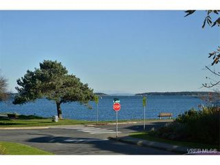 Photo 17: 105 1312 Beach Dr in VICTORIA: OB South Oak Bay Condo for sale (Oak Bay)  : MLS®# 717266
