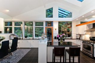 Photo 8: 3985 BAYRIDGE Avenue in West Vancouver: Bayridge House for sale : MLS®# R2546277