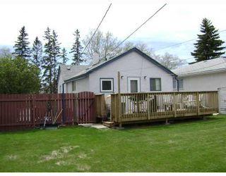 Photo 2: 303 KINGSFORD Avenue in WINNIPEG: North Kildonan Residential for sale (North East Winnipeg)  : MLS®# 2808981