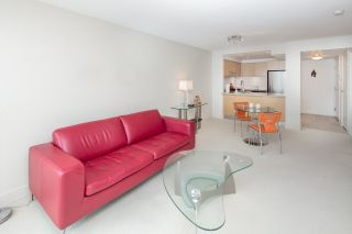 """Photo 11: 405 6018 IONA Drive in Vancouver: University VW Condo for sale in """"Argyll House West"""" (Vancouver West)  : MLS®# R2178903"""