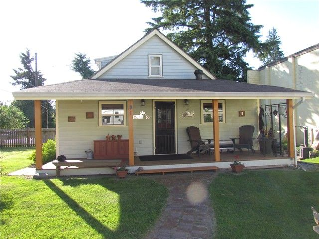 Main Photo: 9124 QUEEN ST in Langley: Fort Langley House for sale : MLS®# F1313475