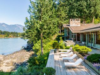 """Photo 33: 370 374 SMUGGLERS COVE Road: Bowen Island House for sale in """"Hood Point"""" : MLS®# R2518143"""