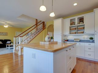 Photo 16: 7146 Wallace Dr in : CS Brentwood Bay House for sale (Central Saanich)  : MLS®# 878217