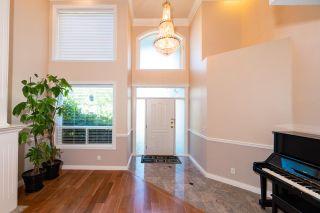 Photo 2: 9288 PAULESHIN Crescent in Richmond: Lackner House for sale : MLS®# R2394750