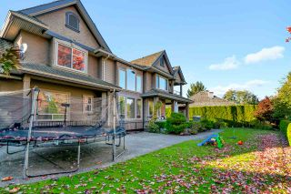 Photo 3: 16355 LINCOLN WOODS Court in Surrey: Morgan Creek House for sale (South Surrey White Rock)  : MLS®# R2508948