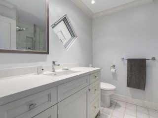"""Photo 12: 38 889 TOBRUCK Avenue in North Vancouver: Hamilton Townhouse for sale in """"TOBRUCK GARDENS"""" : MLS®# R2209623"""