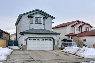 Photo 2: 813 Applewood Drive SE in Calgary: Applewood Park Detached for sale : MLS®# A1076322