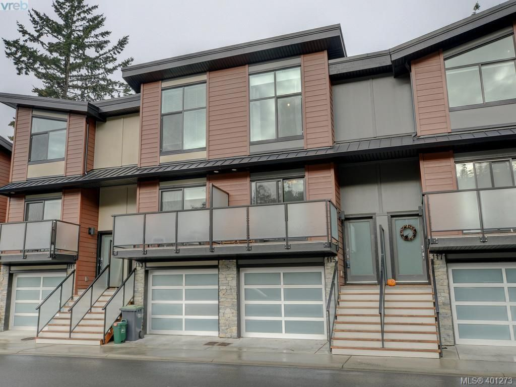 Main Photo: 115 300 Phelps Ave in VICTORIA: La Thetis Heights Row/Townhouse for sale (Langford)  : MLS®# 800789