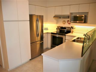 "Photo 2: 314 1966 COQUITLAM Avenue in Port Coquitlam: Glenwood PQ Condo for sale in ""PORTICA WEST"" : MLS®# R2402096"