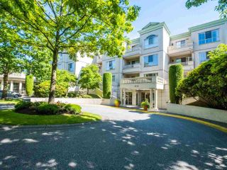 """Photo 4: 318 8520 GENERAL CURRIE Road in Richmond: Brighouse South Condo for sale in """"Queen's Gate"""" : MLS®# R2468714"""