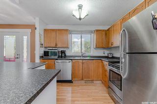 Photo 4: 247 Davies Road in Saskatoon: Silverwood Heights Residential for sale : MLS®# SK866077