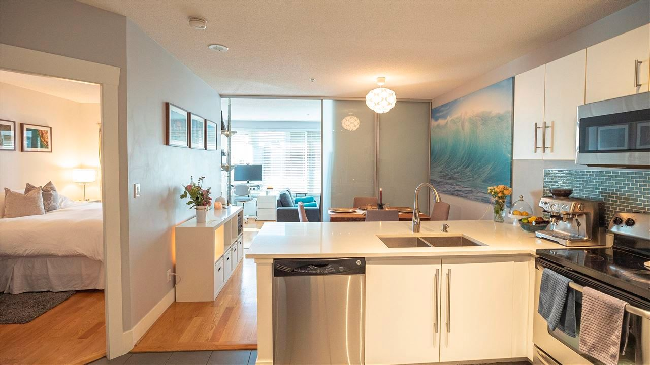 """Main Photo: 508 1177 HORNBY Street in Vancouver: Downtown VW Condo for sale in """"London Place"""" (Vancouver West)  : MLS®# R2586723"""