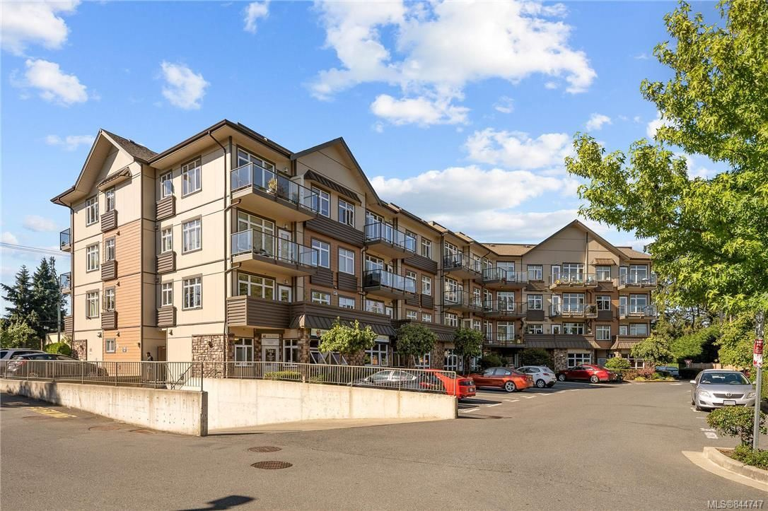 Main Photo: 310 2220 Sooke Rd in Colwood: Co Hatley Park Condo for sale : MLS®# 844747
