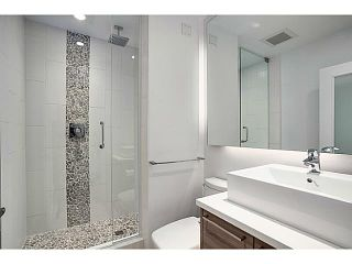 """Photo 1: A&B 120 W 17TH Street in North Vancouver: Central Lonsdale Condo for sale in """"THE OLD COLONOY"""" : MLS®# V1035638"""