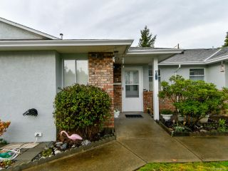 Photo 1: 2 595 Evergreen Rd in CAMPBELL RIVER: CR Campbell River Central Row/Townhouse for sale (Campbell River)  : MLS®# 827256