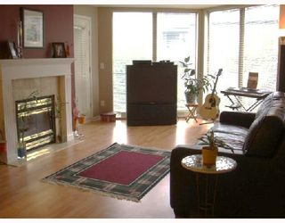 Photo 2: 205 68 RICHMOND Street in New_Westminster: Fraserview NW Condo for sale (New Westminster)  : MLS®# V729345