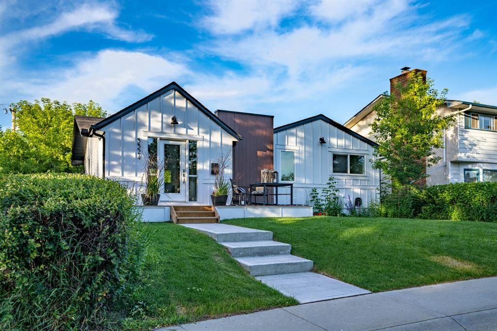 Main Photo: 3324 BARR Road NW in Calgary: Brentwood Detached for sale : MLS®# A1026193