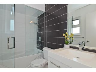 """Photo 19: 598 W 24TH Avenue in Vancouver: Cambie House for sale in """"DOUGLAS PARK"""" (Vancouver West)  : MLS®# V1125988"""