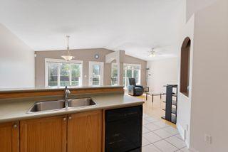 Photo 7: 8415 156 Ave NW in Edmonton: Zone 28 House Half Duplex for sale : MLS®# E4248433