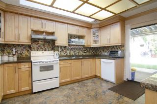 Photo 1: 438 E BRAEMAR Road in North Vancouver: Upper Lonsdale House for sale : MLS®# R2100624