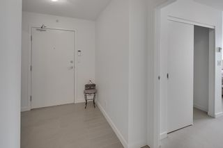 Photo 5: 702 33 SMITHE STREET in Vancouver: Yaletown Condo for sale (Vancouver West)  : MLS®# R2103455