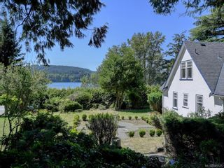 Photo 1: 5213 Pat Bay Hwy in : SE Cordova Bay House for sale (Saanich East)  : MLS®# 845525