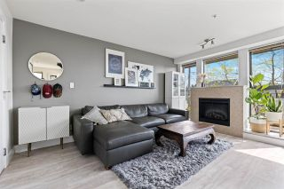 "Photo 3: 301 2436 W 4TH Avenue in Vancouver: Kitsilano Condo for sale in ""The Pariz"" (Vancouver West)  : MLS®# R2575423"
