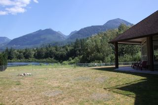 Photo 2: 25330 TRANS CANADA Highway in Yale: Yale - Dogwood Valley House for sale (Hope)  : MLS®# R2487134